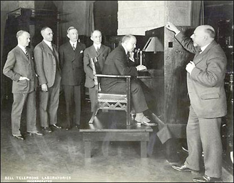 Bell Telephone long-distance two-way television demonstration