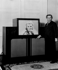 photograph of JLB with 1940 colour television receiver