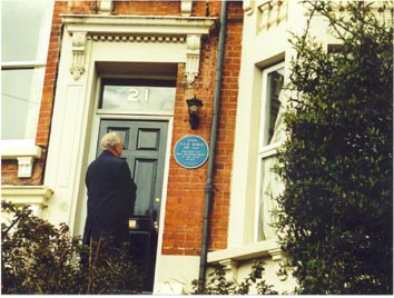 Malcolm Baird outside 21 Linton Crescent, Hastings